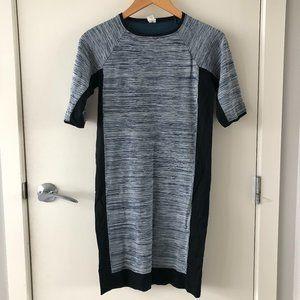 3/$30 ✨ Stretchy blue stripped dress